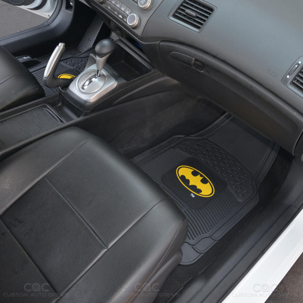 original batman rubber front car floor mats set gift pack yellow logo pair ebay. Black Bedroom Furniture Sets. Home Design Ideas